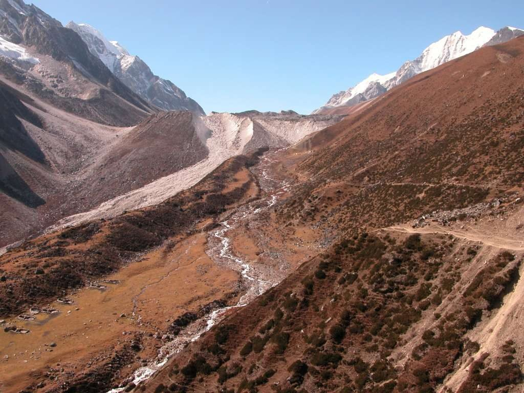 Manaslu Circuit Trek difficulty