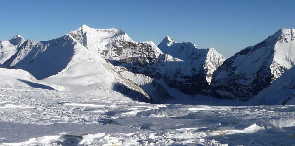Makalu & Sherpani Pass Trekking