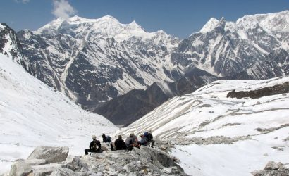 manaslu circuit trek cost without guide