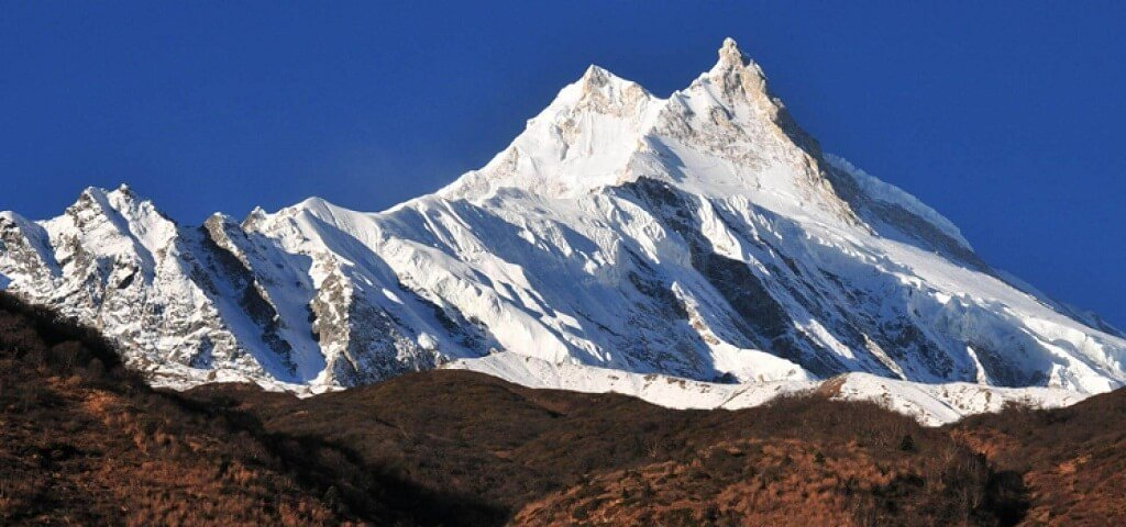 manaslu circuit trek in marh april may