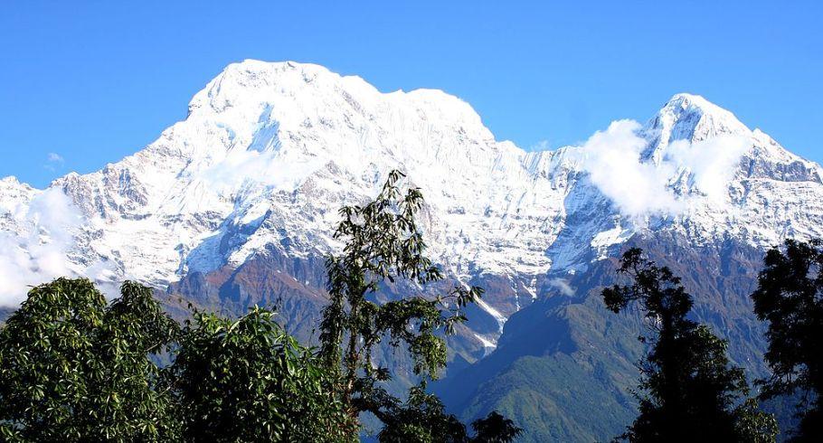 Trekking in Nepal in November 6