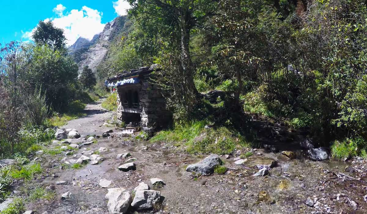 syabrubesi lantang tamang heritage trail