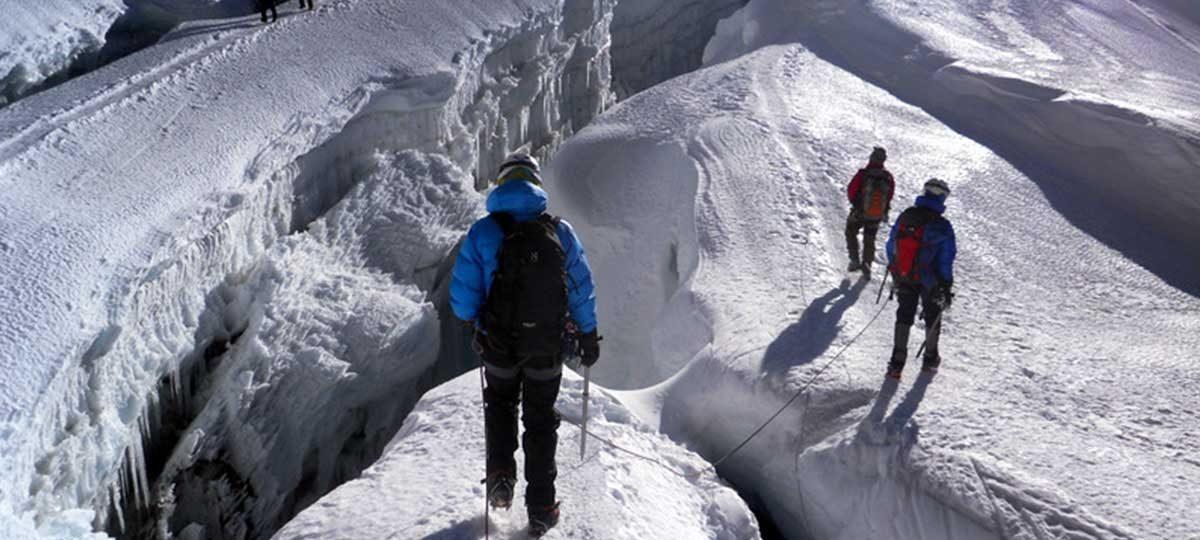 Best Time To Climb Island Peak